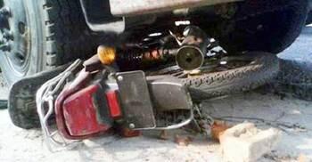 খুলনায় ট্রাকচাপায় ২ মোটরসাইকেল আরোহী নিহত