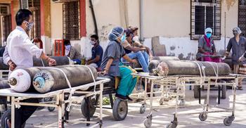 অক্সিজেন থাকলেও ফ্লো-মিটার নেই, কলকাতার হাসপাতালে ৩ রোগীর মৃত্যু