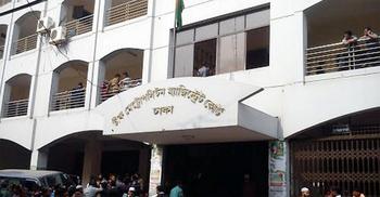 রাজশাহী রেঞ্জের এসপির বিরুদ্ধে মামলা : প্রতিবেদন ১ নভেম্বর