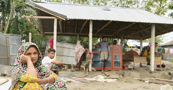 করোনার মধ্যে বন্যা : দুর্দিনের মেঘ দেখছে কুড়িগ্রামবাসী