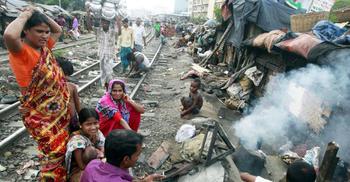 ঋণের বোঝা দ্বিগুণ, অবস্থা সামলাতে হিমশিম শহুরে-নতুন দরিদ্ররা