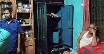 রায়পুরে প্রবাসীর বাড়িতে ডাকাতি, যুবক আটক