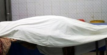 পরকীয়া সন্দেহে স্ত্রীকে কুপিয়ে মারল স্বামী