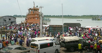 যাত্রীদের ভিড় বাড়ছে বাংলাবাজার-শিমুলিয়া নৌরুটে