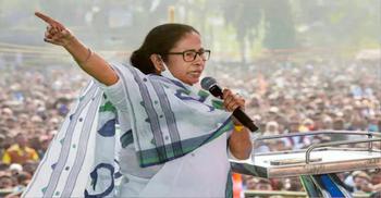 আমি জীবন্ত লাশ: মমতা ব্যানার্জী