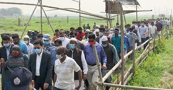 ঢাকার 'গ্রামীণ' এলাকা পরিদর্শনে মেয়র তাপস
