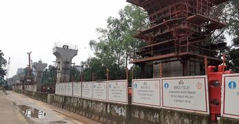 চলছে মেট্রোরেলের ঢাকা বিশ্ববিদ্যালয় স্টেশন নির্মাণ কাজ