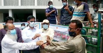 পটুয়াখালীতে ন্যায্যমূল্যে ভ্রাম্যমাণ ডিম-দুধ-মাংস বিক্রি শুরু