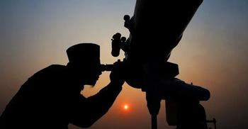 মুসলিমদের মঙ্গলবার সন্ধ্যায় চাঁদ দেখার আহ্বান সৌদির