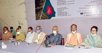 সরকার স্বাধীনতার ইতিহাস বিকৃত করছে : মোশাররফ