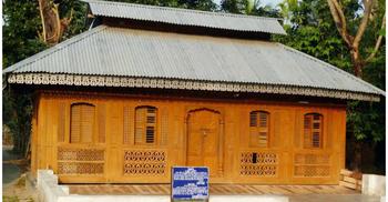 প্রত্নতত্ত্ব বিভাগ দায়িত্ব নেয়ার পর আরও রূগ্ন দশা মসজিদটির