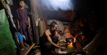 করোনায় বিপর্যস্ত মিয়ানমারে ইঁদুর সাপে ক্ষুধা মেটাচ্ছেন লাখও মানুষ