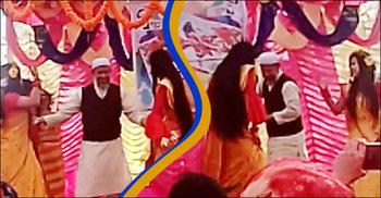 ভাষার মাসে ছাত্রীদের সঙ্গে হিন্দি গানে নেচে ভাইরাল অধ্যক্ষ