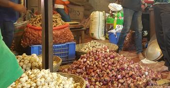 রোববার ভোমরা দিয়ে আসবে ভারতীয় পেঁয়াজ, দামে স্বস্তি