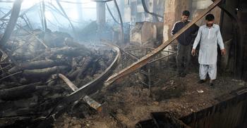 পাকিস্তানে গার্মেন্টস ট্র্যাজেডি: ২ জনের মৃত্যুদণ্ড, খালাস নেতারা