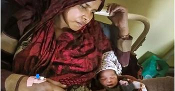 দাঙ্গাবাজদের লাত্থি-আঘাতের পর সুস্থ সন্তান জন্ম দিলেন শাবানা