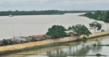 সুন্দরবনে পশুর নদীতে ডুবল পর্যটকবাহী লঞ্চ