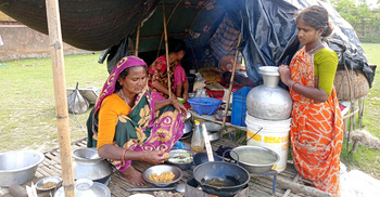 ঈদ আসেনি পটুয়াখালীর বেদেপল্লীতে