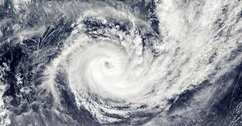 বিশ্বের সবচেয়ে শক্তিশালী ঘূর্ণিঝড় আঘাত হানছে ফিলিপাইনে
