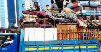 বাড়িওয়ালা-ভাড়াটিয়া দু'জনকেই পথে নামাচ্ছে করোনা