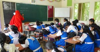 প্রাইমারিতে ১৯, মাধ্যমিকে ২৫ শতাংশ শিক্ষার্থী পড়াশোনার বাইরে