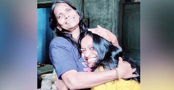 রানু মণ্ডলের সঙ্গে দেখা করতে গেলেন বায়োপিকের অভিনেত্রী