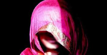 নোয়াখালীতে বাড়ি থেকে তুলে নিয়ে গৃহবধূকে গণধর্ষণ