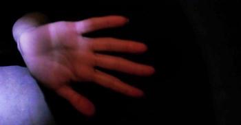 সম্মতি থাকলেও কিশোরীর সঙ্গে যৌন সম্পর্ক ধর্ষণ, আইন ফ্রান্সে