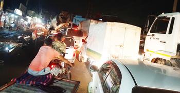 বাইপাইল-আব্দুল্লাহপুর মহাসড়কে ১০ কিমি যানজট