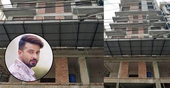 শাকিবের বাসার কেয়ারটেকার-ম্যানেজারকে নিয়ে গেছে রাজউক কর্মকর্তারা