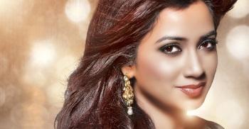 Shreya Ghoshal announces her first pregnancy