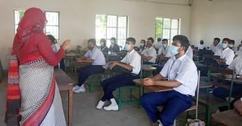 স্কুল শিক্ষার্থীদের টিকাদানে স্বাস্থ্যের চিঠির অপেক্ষায় মাউশি