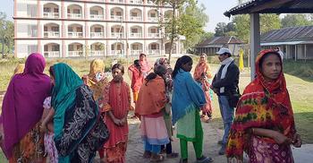 উপবৃত্তির ফরম বাবদ নেয়া টাকা ফেরত পেলেন ছাত্রীরা
