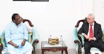 রাশিয়ায় সরাসরি পণ্য রপ্তানিতে সহযোগিতা চাইলেন বাণিজ্যমন্ত্রী