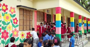 থমকে আছে প্রাথমিক বিদ্যালয় দৃষ্টিনন্দনের প্রকল্প