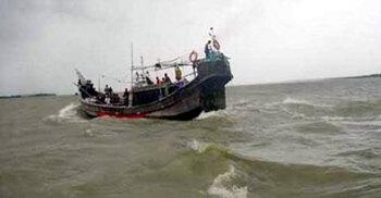 বঙ্গোপসাগরে মাছ ধরা ট্রলারে হামলা, ১৬ জেলে আহত