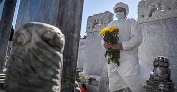 করোনায় মৃতদের স্মরণে শোকদিবস পালন করছে চীন