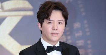 China's 'Piano Prince' detained for prostitution