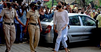 Anti-drugs agency questions Bollywood actress