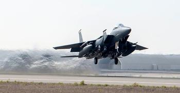 আফগানিস্তানে আরও যুদ্ধবিমান পাঠাল যুক্তরাষ্ট্র