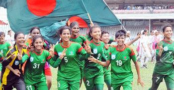 ময়মনসিংহের কলসিন্দুর নির্ভরশীলতা কমছে নারী ফুটবলে