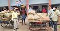 মোংলায় জলোচ্ছ্বাসে পানিবন্দি ৪০০ পরিবার, দেয়া হচ্ছে খাদ্য সহায়তা